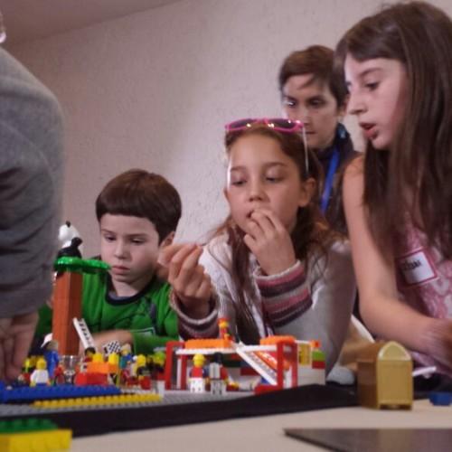 MeetLatam: Niños construyeron la ciudad que sueñan
